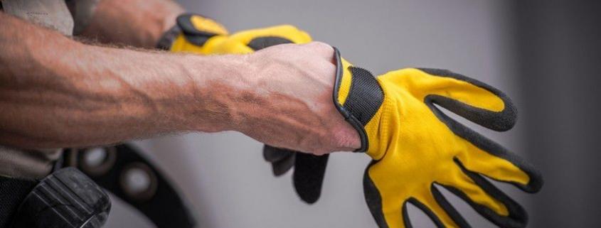 اهمیت استفاده از دستکش های ایمنی در برخی مشاغل