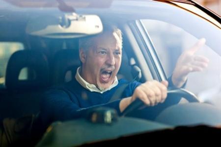 بررسی سطح استرس شغلی رانندگان با تحلیل سیگنال های بیولوژیکی