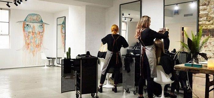 بررسی آگاهی، نگرش و عملکرد آرایشگران زنانه در ارتباط با بهداشت محیط کار