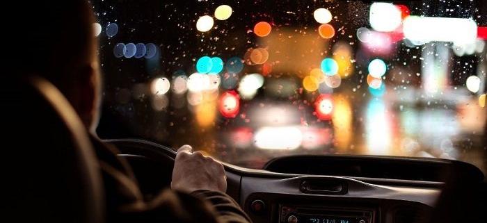 بررسی ارتباط بین سطح خواب آلودگی ذهنی و مشخصات دموگرافیک در رانندگان شب کار