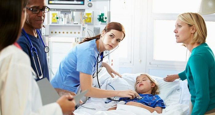 بررسی وضعیت جو ایمنی بیمار از دیدگاه پرستاران در راستای اجرای نظام حاکمیت بالینی