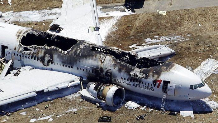 سقوط پرواز 214 آسیانا در نزدیکی باند فرودگاه