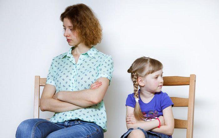 رابطه بین تنظیم هیجانات مادر با مشکلات رفتاری کودکان دختر 3 تا 6 سال