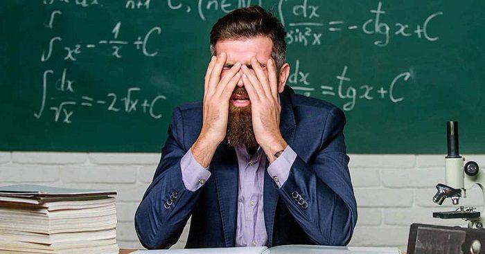 بررسی وضعیت فرسودگی شغلی و عوامل مؤثر بر آن در معلمان